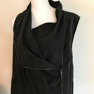 NWT - DKNY Jeans Sleeveless Zip Front Top